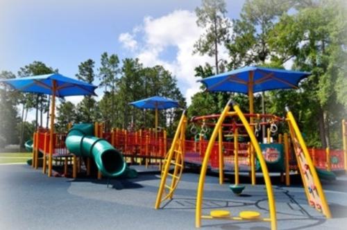 Slide_universal_playground_1