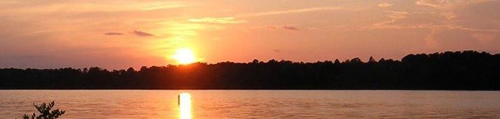 https://alabama-travel.s3.amazonaws.com/partners-uploads/photo/image/552541931dec1de76200001b/riverpubheaderbackground_2.jpg