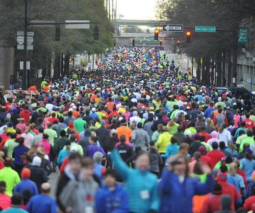 Slide_massive_crowd_of_runners_at_the_start