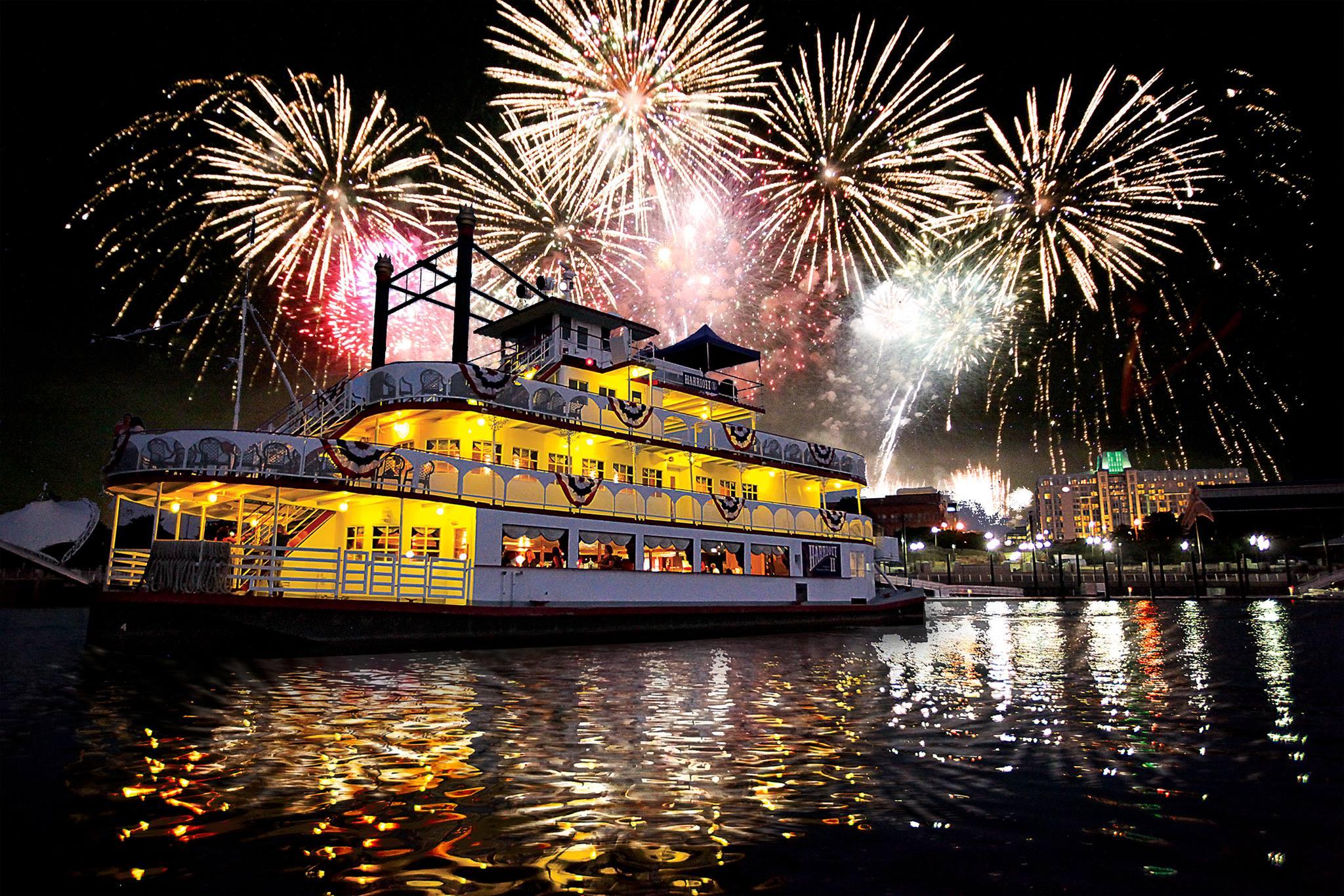 https://alabama-travel.s3.amazonaws.com/partners-uploads/photo/image/56f9448157c3cbc27e000020/harriott_fireworks_pic.jpg