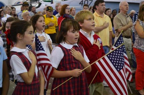 Slide_vd_parade_of_flags
