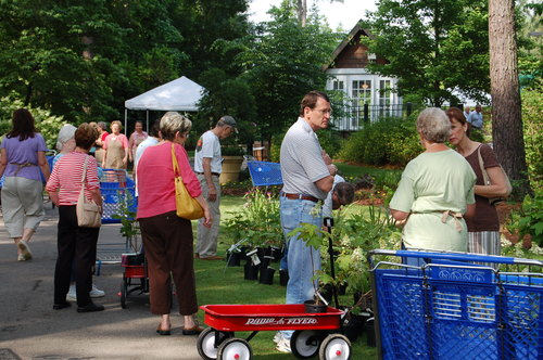 Slide_ag_plant_sale_4_shoppers