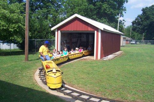 Slide_kiddiecarnival_train_tunnel