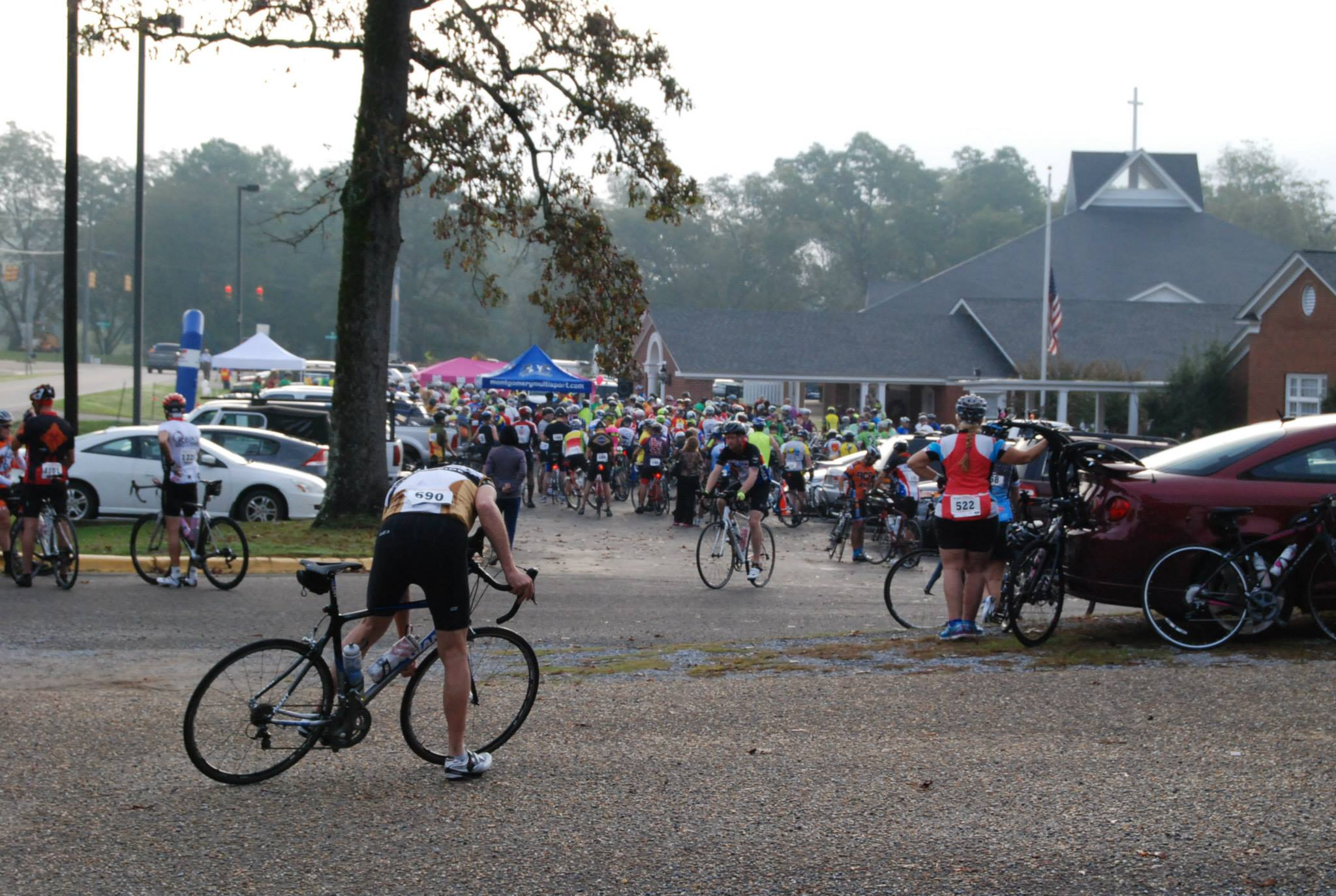 https://alabama-travel.s3.amazonaws.com/partners-uploads/photo/image/577c05774d64212db2000005/riders_queuing_to_start_the_2015_glassner.jpg