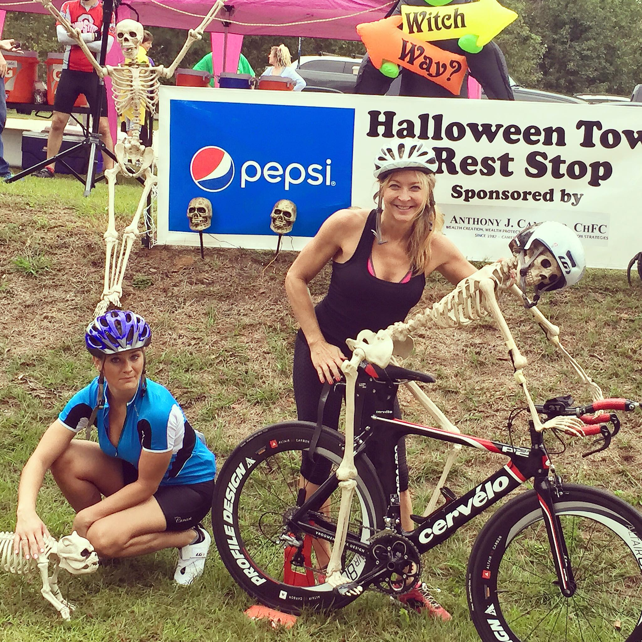 https://alabama-travel.s3.amazonaws.com/partners-uploads/photo/image/577c0cd74d6421144a000014/olivia_deas_2015_glassner_at_halloween_town_rest_stop.jpg