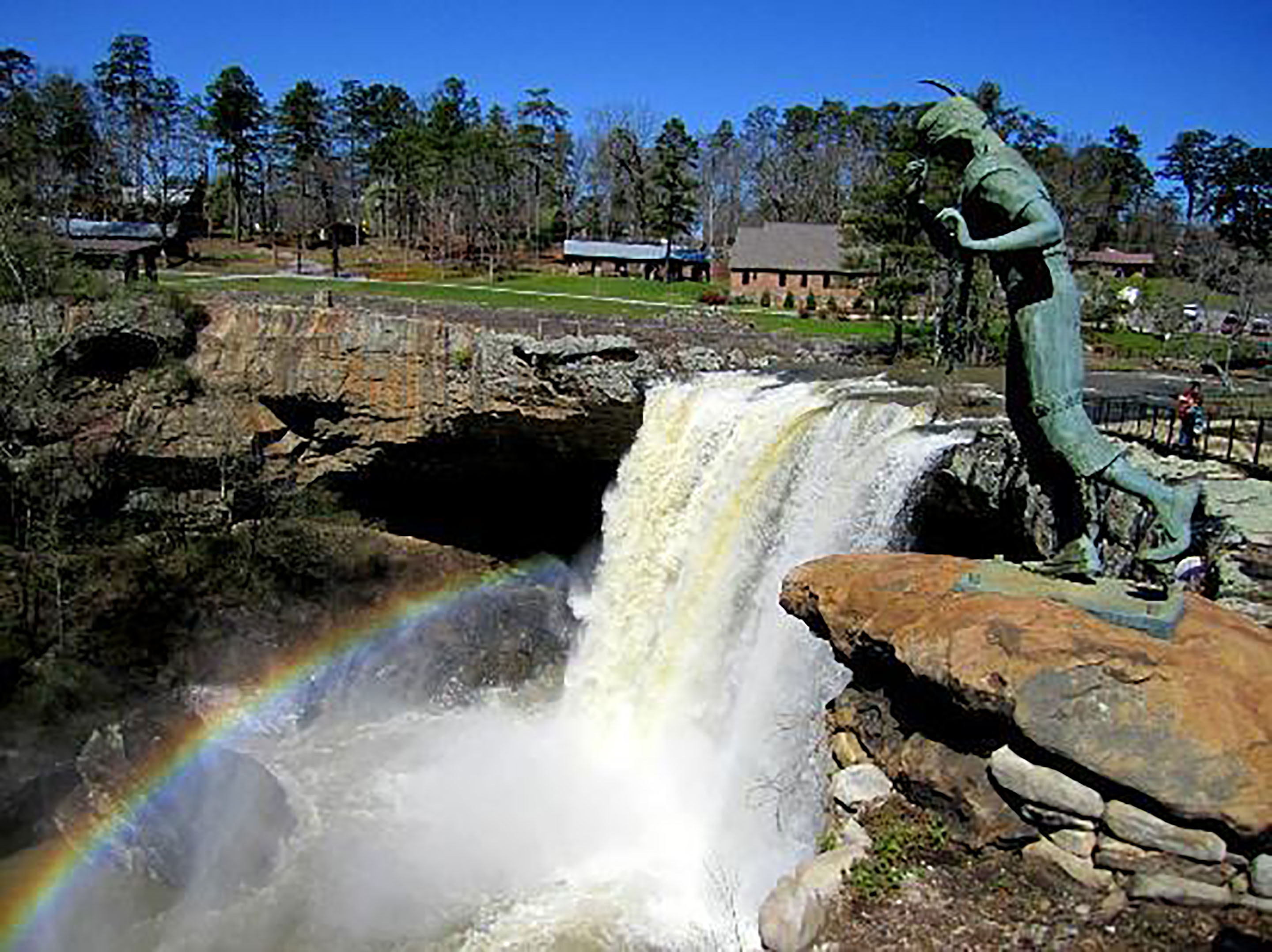 https://alabama-travel.s3.amazonaws.com/partners-uploads/photo/image/5787e6c37a799b898200001a/noccalula_falls_2880px.jpg