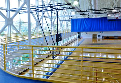 https://alabama-travel.s3.amazonaws.com/partners-uploads/photo/image/57d6ee34bf2b4117bc000044/university_fitness_center__uah___basketball_courts.jpg