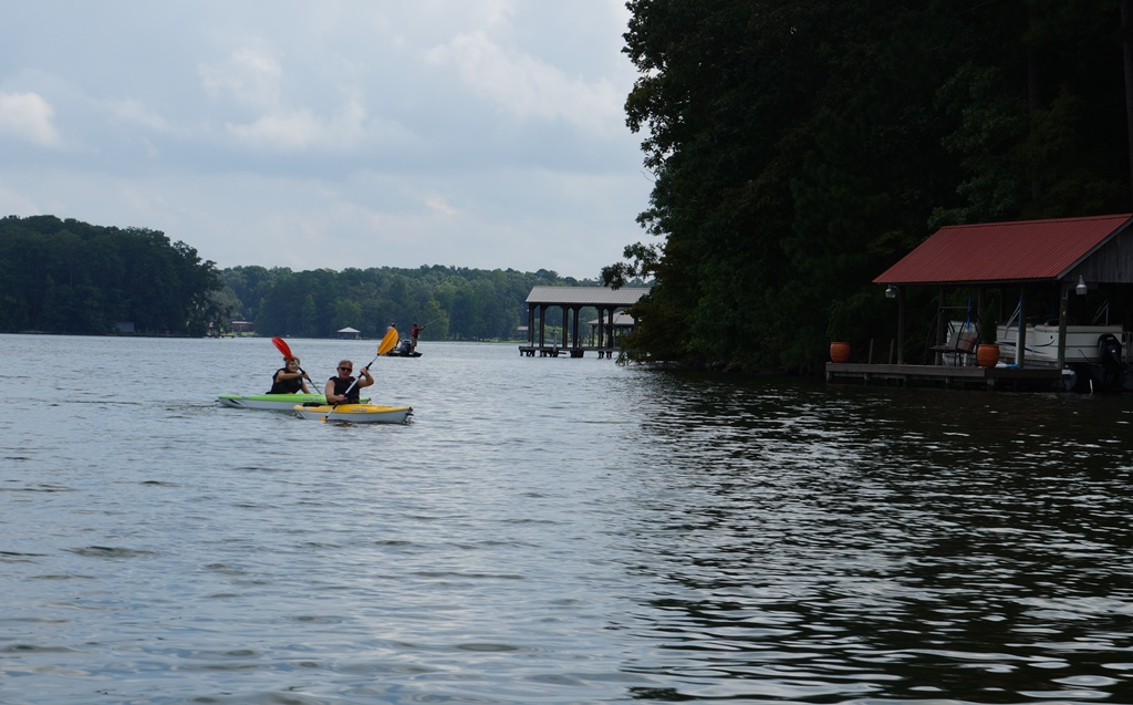 https://alabama-travel.s3.amazonaws.com/partners-uploads/photo/image/58f67be0b3b361209a000091/kayak.jpg