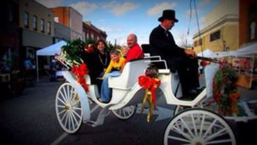 Slide_preview_dickens_carriage_ride