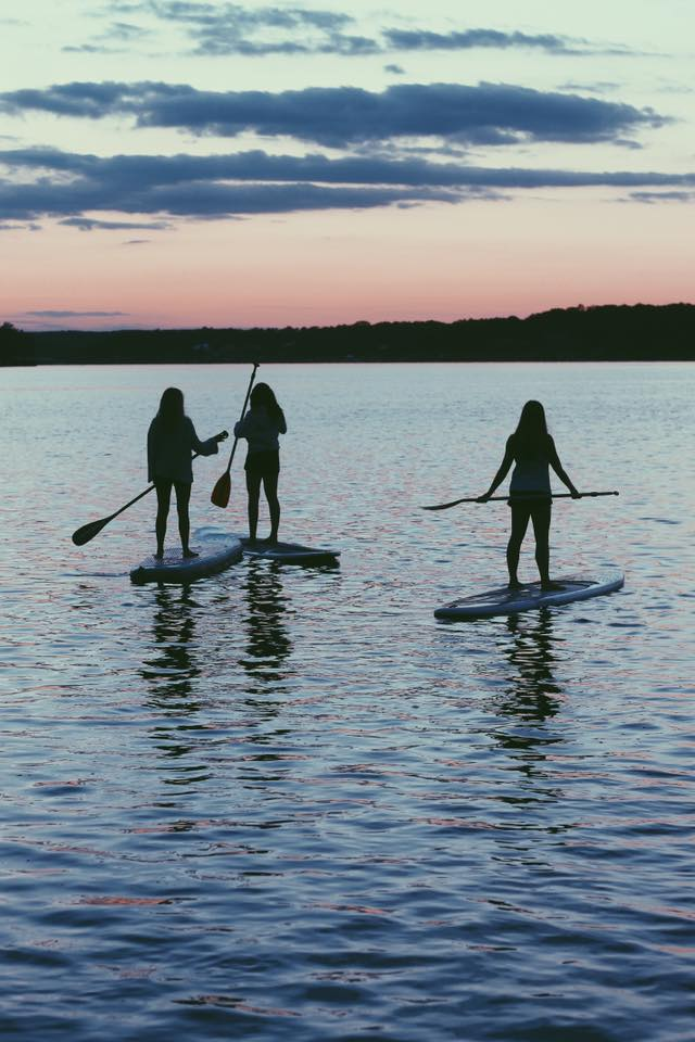 https://alabama-travel.s3.amazonaws.com/partners-uploads/photo/image/5a4e6471161f32238f0000be/_5___paddle_boarding.jpg