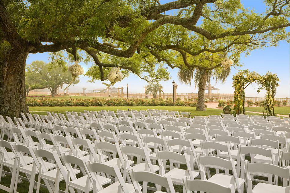 https://alabama-travel.s3.amazonaws.com/partners-uploads/photo/image/5a981dfece7d765b0b000032/wedding.jpg