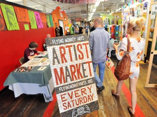 Slide_artist_market