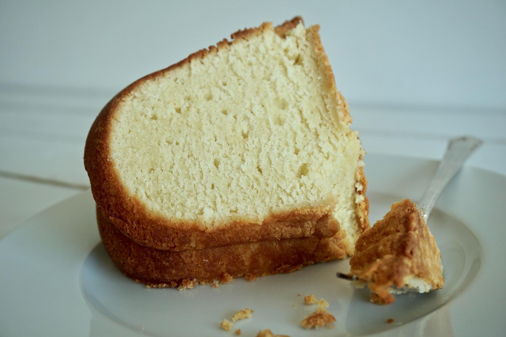 https://alabama-travel.s3.amazonaws.com/partners-uploads/photo/image/5b3bdf3e2051efdba0000085/bake_my_day_cream_cheese_pound_cake_2.jpg