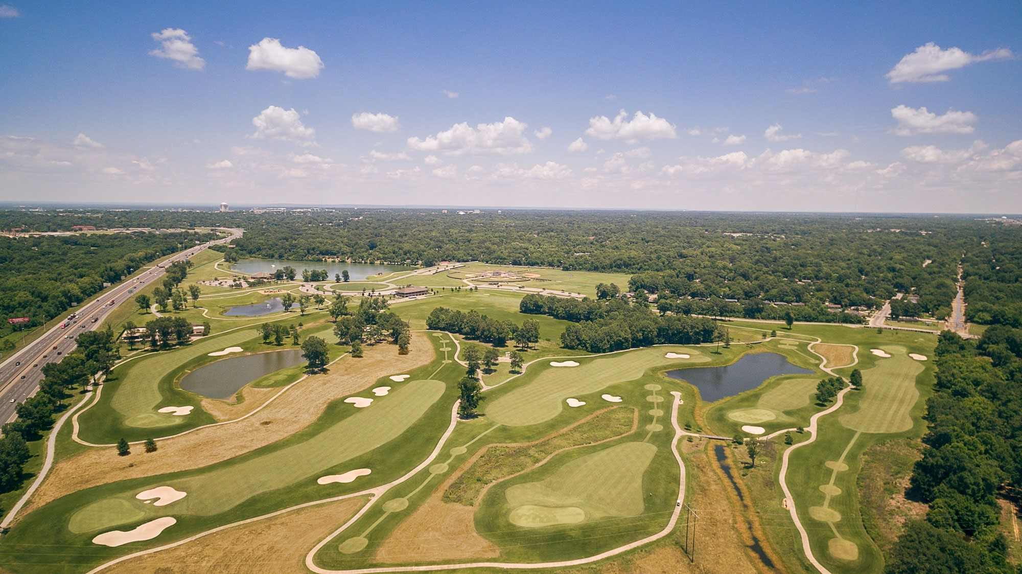 https://alabama-travel.s3.amazonaws.com/partners-uploads/photo/image/5ed935a55071db000751cbd5/Gateway Park Golf Course, Montgomery, Ala. d.jpg