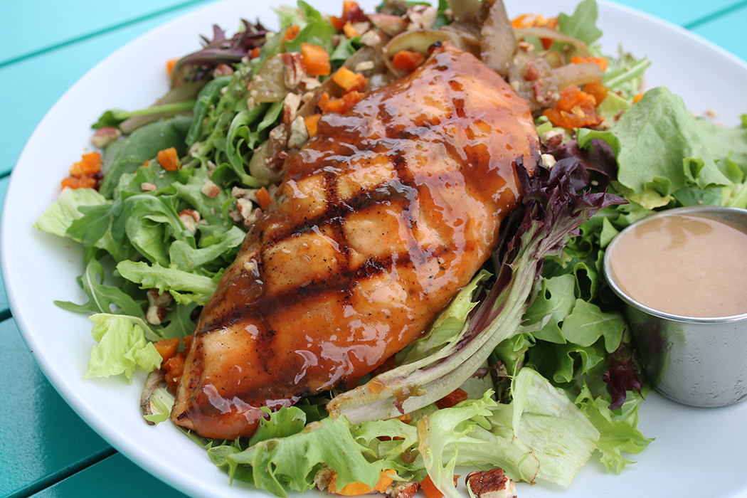 https://alabama-travel.s3.amazonaws.com/partners-uploads/photo/image/5edba69fc057e400072524c4/salmon salad 1.JPG