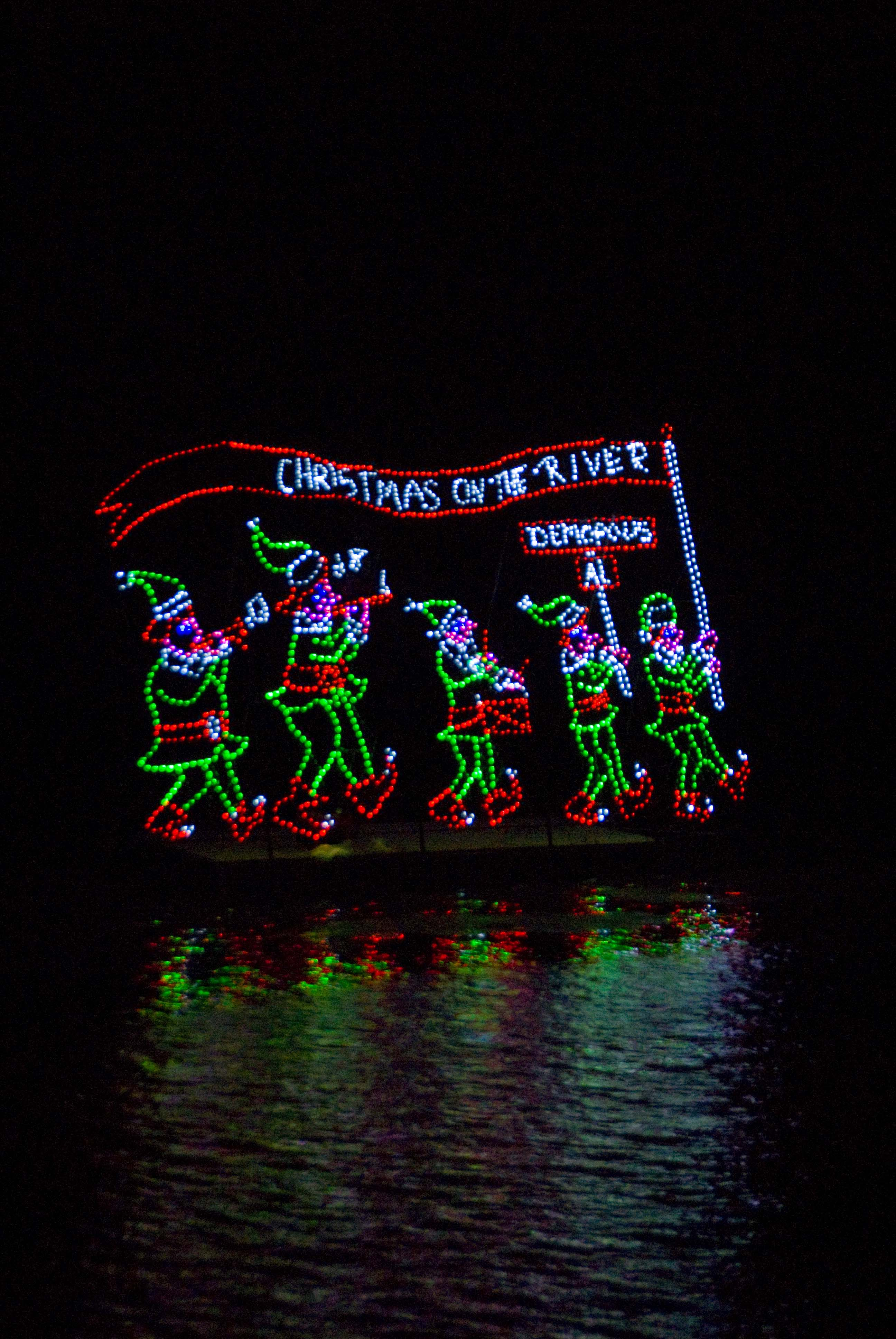 https://alabama-travel.s3.amazonaws.com/partners-uploads/photo/image/5f284db076ebfb0008230f2b/COTR Night Parade - elf float.jpg