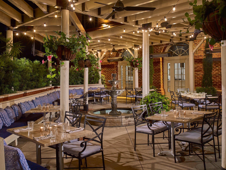 https://alabama-travel.s3.amazonaws.com/partners-uploads/photo/image/5fb82bccf90f910007850733/1260_02_Hotel_Auburn.jpg